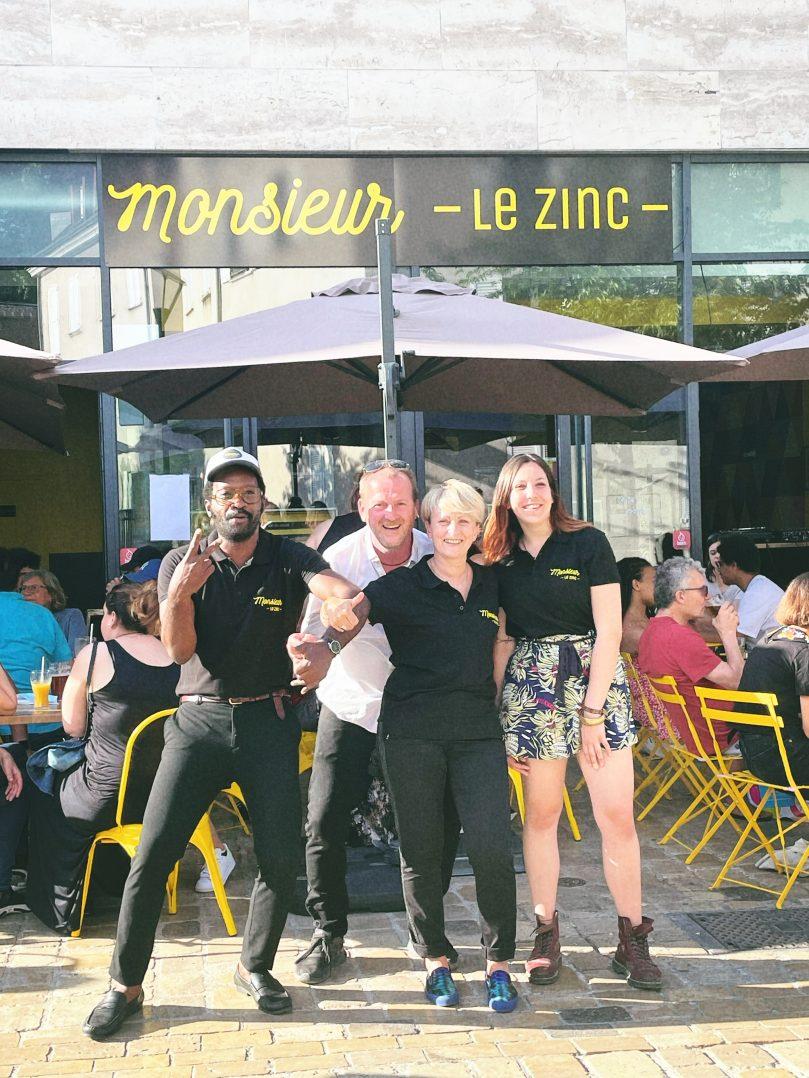 Monsieur le Zinc : le bar tendance à bières, vins et shooters en libre service à Orléans ! 2
