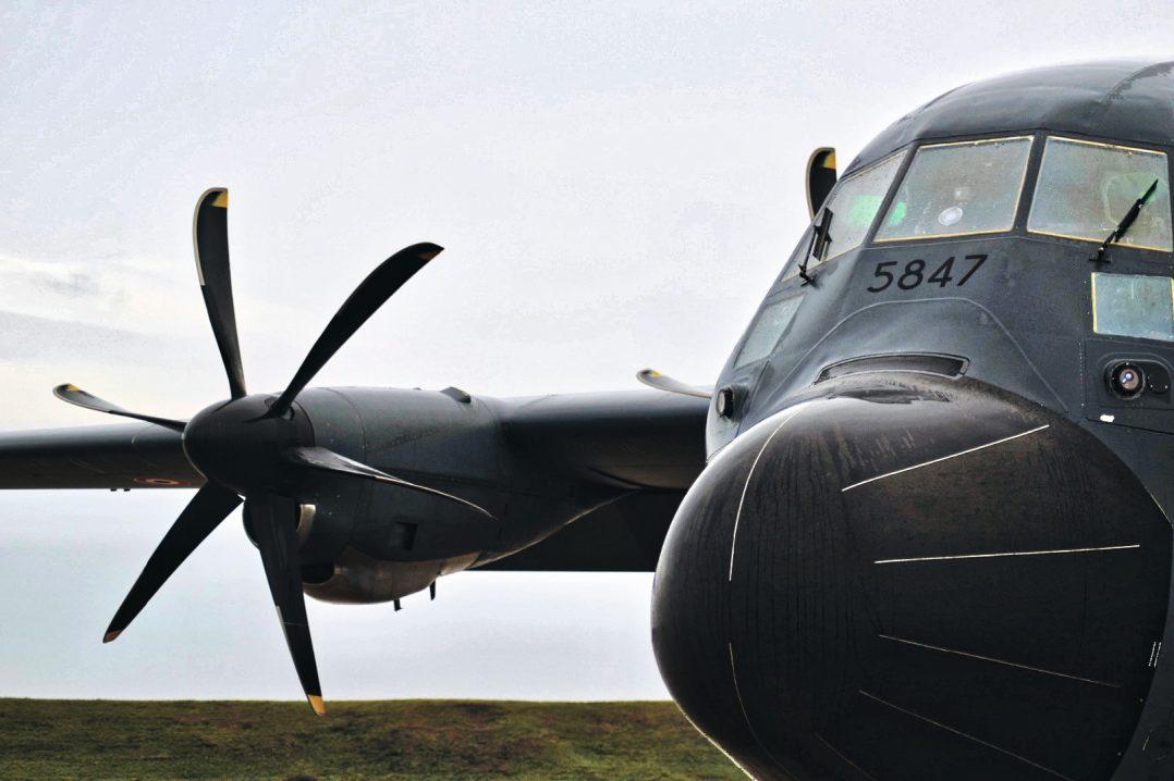 A bord du C-130J pour le défilé du 14 juillet. 2
