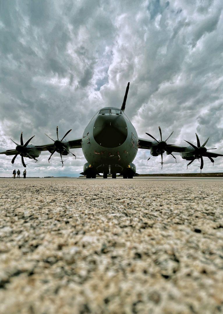 La base aérienne 123 d'Orléans-Bricy accueille l'escadron de transport 4/61 «Béarn». 20