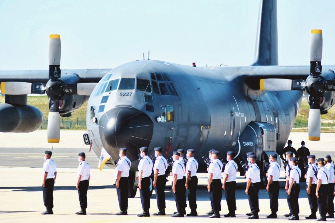 Le Colonel Guillaume Vernet est le nouveau commandant de la base aérienne 123 d'Orléans-Bricy 6