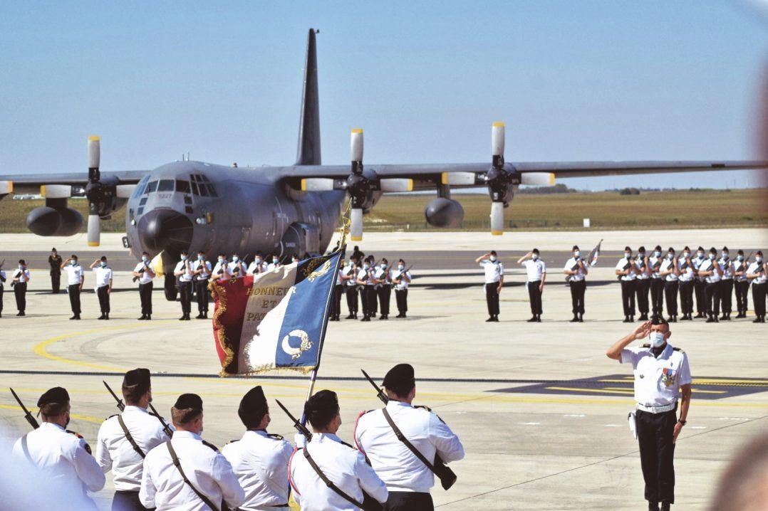 Le Colonel Guillaume Vernet est le nouveau commandant de la base aérienne 123 d'Orléans-Bricy 7
