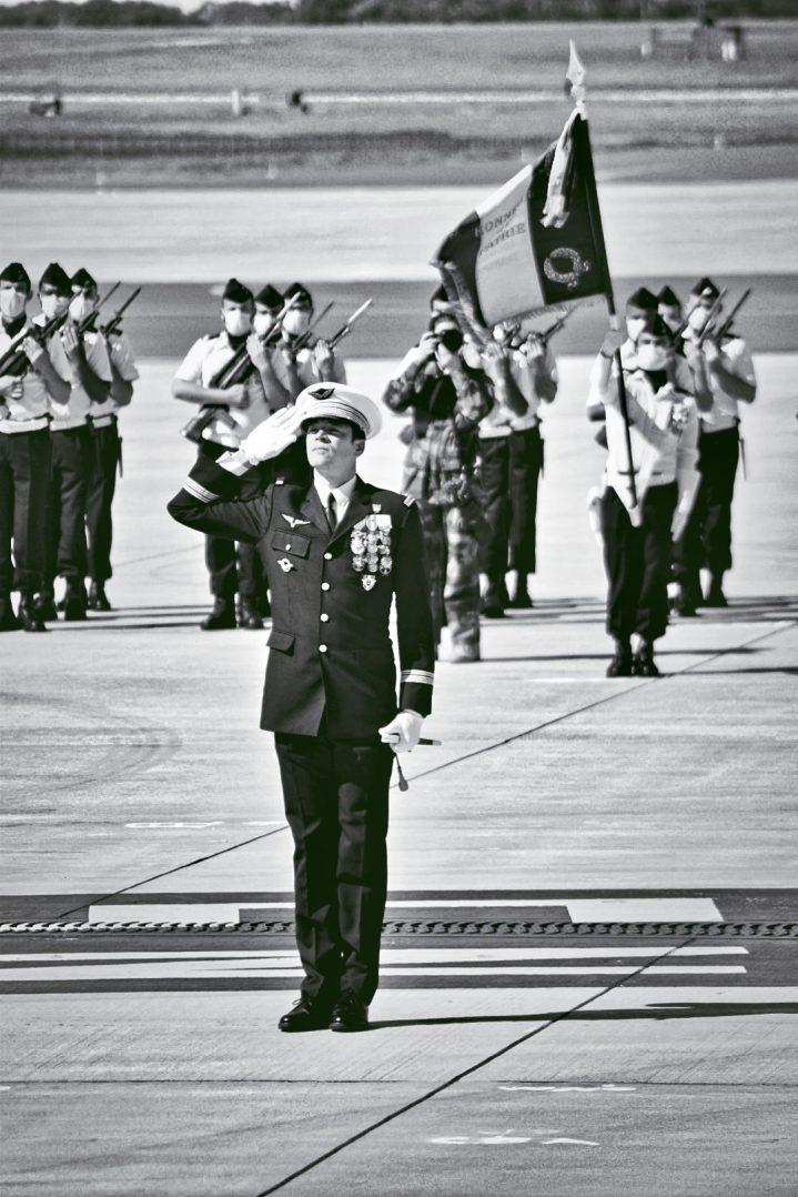 Le Colonel Guillaume Vernet est le nouveau commandant de la base aérienne 123 d'Orléans-Bricy 3