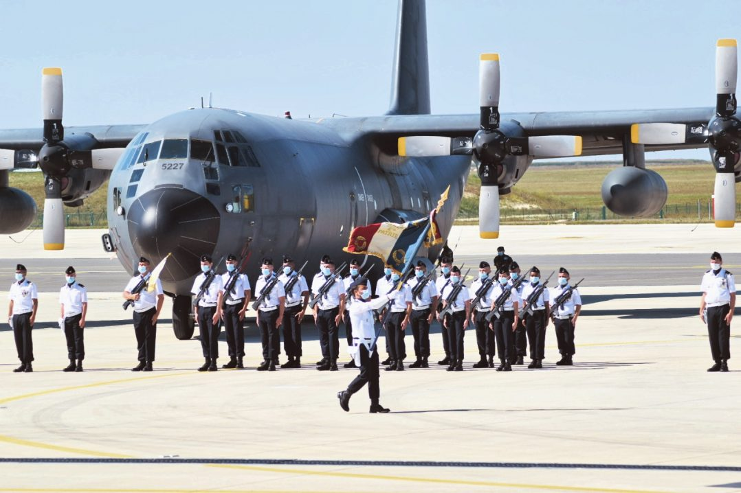 Le Colonel Guillaume Vernet est le nouveau commandant de la base aérienne 123 d'Orléans-Bricy 8