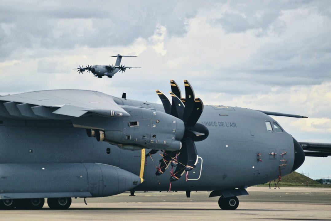 La base aérienne 123 d'Orléans-Bricy accueille l'escadron de transport 4/61 «Béarn». 14