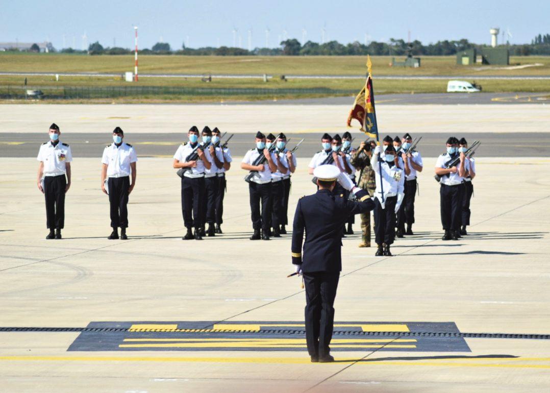 Le Colonel Guillaume Vernet est le nouveau commandant de la base aérienne 123 d'Orléans-Bricy 5